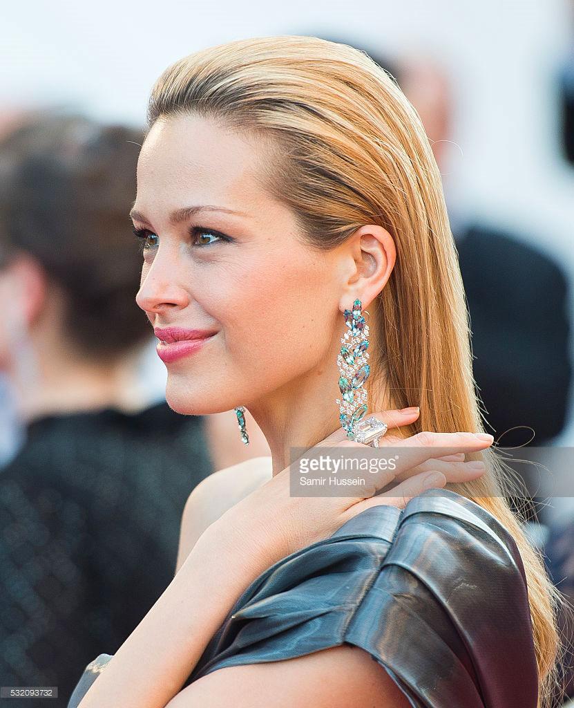 17.05.2016 - Cannes 69 - Julieta Premiere - Petra Nemcova - Makeup hair Massimo Serini