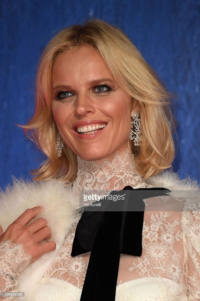 02.09.2016 - Venezia 73 - Franca: Chaos And Creation premiere - Eva Herzigova - Makeup hair Massimo Serini