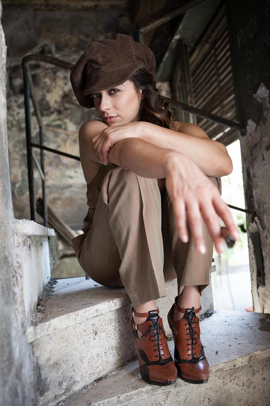 Donne In Luce - Valentina Lodovini, photo by Riccardo Ghilardi