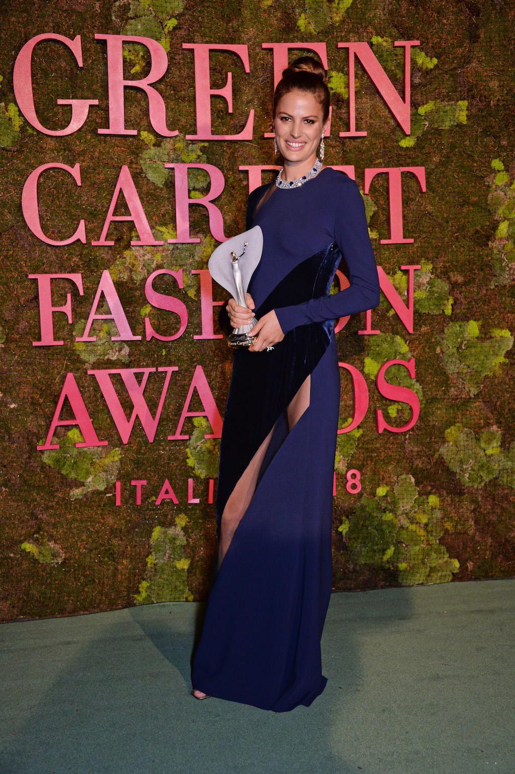 Green Carpet Fashion Awards 2018 - Cameron Russel - Hair and Make Up by Massimo Serini