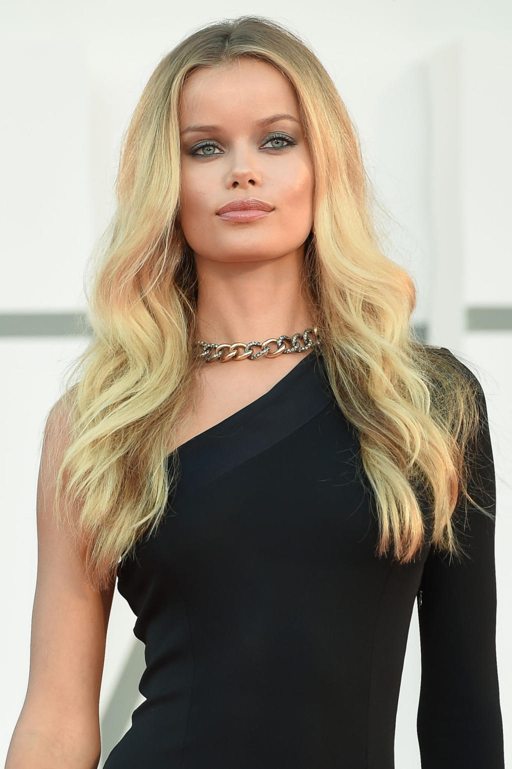 Frida Aasen: Hair by Massimo Serini Make Up By Stanislao Iafulli - Venice Film Festival 2020